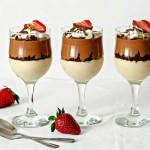 Desert cu ciocolată la pahar