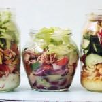 Trei salate la borcan, în 5 minute