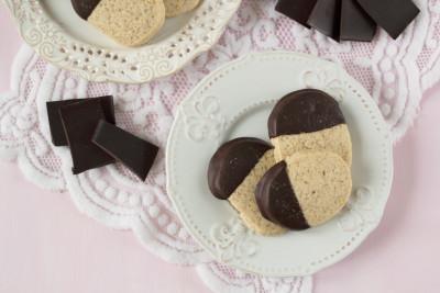 biscuiti-cu-ciocolata-neagra-si-sare-de-mare-3