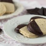 Biscuiți cu ciocolată neagră și sare de mare