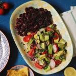 Platou Mexican cu avocado şi orez negru