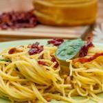 Paste Carbonara cu spanac și muguri de pin