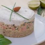 Tartar de somon cu mousse de migdale și quinoa