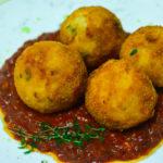 Sos sicilian cu chifteluțe de orez