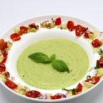 Supă rece de castravete cu avocado