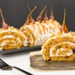 Tort rulat cu morcovi și caramel
