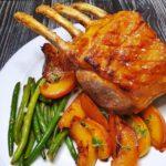 Cotlet de porc cu piersici